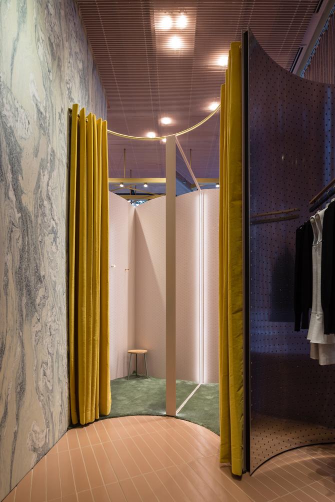 Fitting room, Max&Co Shop, Tokyo - Anna Bernardi